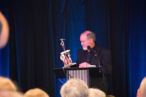 MOA 2018 Keynote Speaker, Kevin J. Anderson and His First-Ever Trophy. (Photo © F. P. Dorchak)